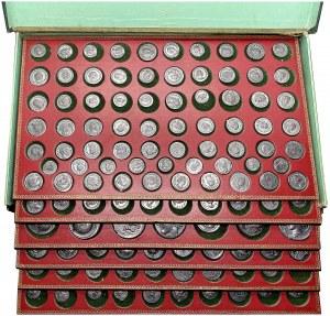 Antiquité grecque et romaine. Médaillier comprenant 323 tirages en plomb de fausses monnaies par Becker ND (avant 1914), Berlin (Bode-Museum).