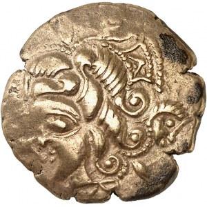 Osismes (fin du IIe s. - Ière moitié du Ier s. av. J.-C.). Statère d'or au cheval et taureau-enseigne c.120-50 av. J.-C.