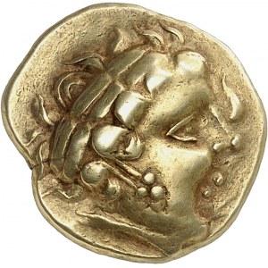 Aulerques Cénomans (IIe siècle av. J.-C.). Statère classe II, au personnage à une seule aile ND (150-100 av. J.-C.).