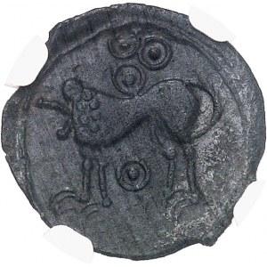 Suessions (fin du IIe s. av. J.-C. jusqu'à la Guerre des Gaules). Bronze au type janiforme, classe II ND (c.50-40 av. J.-C.).