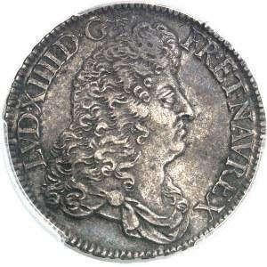 Louis XIV (1643-1715). Demi-écu à la perruque avec buste drapé à l'antique 1687, A, Paris.