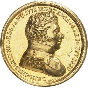 Henri V (1820-1883). Médaillette Or, pour sa naissance, d'après la Vierge à la chaise de Raphaël ND (1820), Paris.