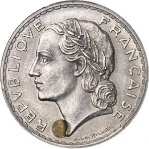 """IIIe République (1870-1940). Essai """"bimétallique"""" de 5 francs Lavrillier en nickel avec clou ou plot en cupro-aluminium 1933, Paris."""