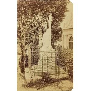 Zakład fotograficzny BARBERY FRERES, Nicea, Nagrobek Wandy Tyszkiewiczowej na cmentarzu przy kościele Kapucynów w Nicei, 2 poł. XIX w.