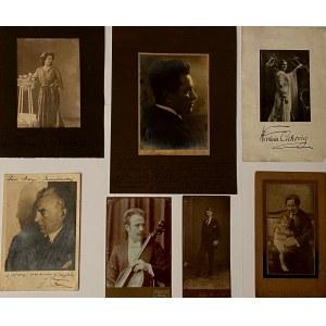 Zestaw 7 fotografii z dedykacjami i sygnaturami na kartonie