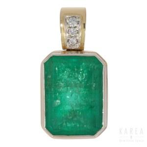 A Columbian emerald set pendant, 20th century