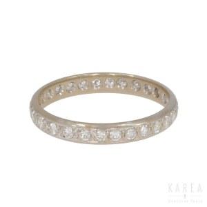 A half eternity ring