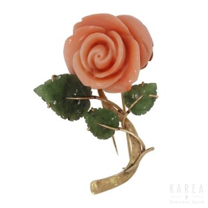 A brooch modelled as a rose
