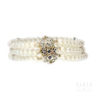 A pearl bracelet, 20th century