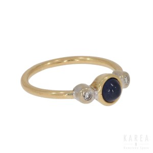 A sapphire cabochon ring, early 20th century