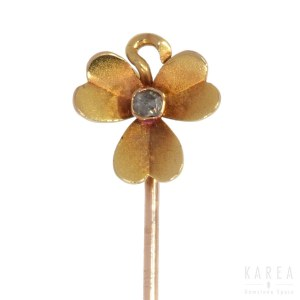 A tie pin modelled as a clover, late 19th century