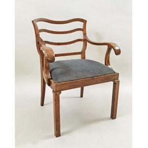 Fotel w stylu art deco
