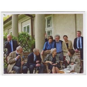 fotografia Spotkanie dziennikarzy i przyjaciół Tygodnika Powszechnego [Kraków 2007] [Jacek Woźniakowski, Leszek Kołakowski, Wisława Szymborska, Jerzy Illg, Zbigniew Mentzel i in.]