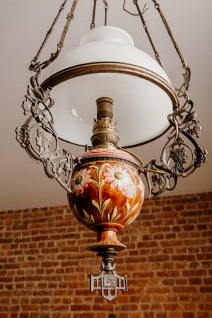 secesyjna, wisząca lampa naftowa