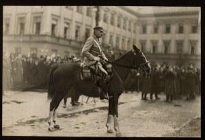J. Piłsudski na Kasztance.