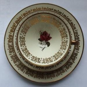 Zestaw deserowy (filiżanka, podstawka, talerzyk) z niemieckiej porcelany Winterling, lata 1970