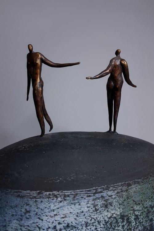 Karolina Szeląg, Pożegnanie (Brąz i szamot, wys, 46 cm)
