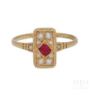 Pierścionek z rubinem i perłami, pocz. XX wieku