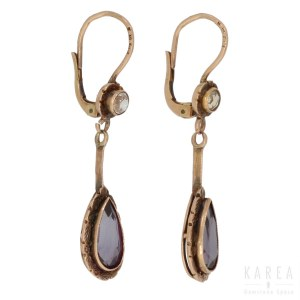 A pair of drop earrings, Poland, 1920-1931