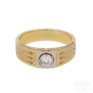 A diamond gentleman's signet ring, 1920s-30s