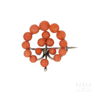 A circular openwork coral bead brooch, late 19th/early 20th century