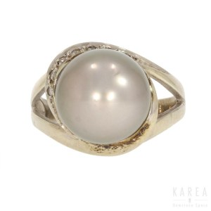 A pearl set ring, 21st century