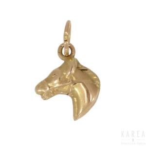 Wisiorek w formie głowy konia, XX wiek