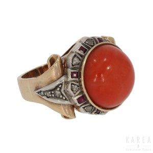 A coral set cocktail ring, Italy, 1920s-30s