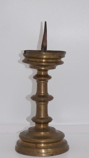 późnogotycki świecznik szpulowy, około 1500 roku