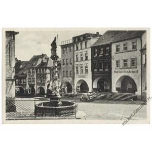 [LUBOMIERZ. Fontanna św. Maternusa] Liebenthal (Bez. Liegnitz). Lauben am Markt m. Maternus-Brunnen
