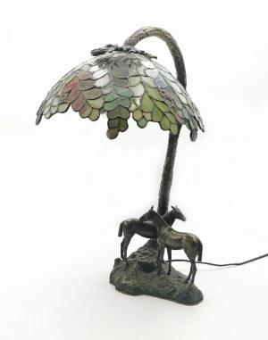Lampa gabinetowa z witrażowym abażurem