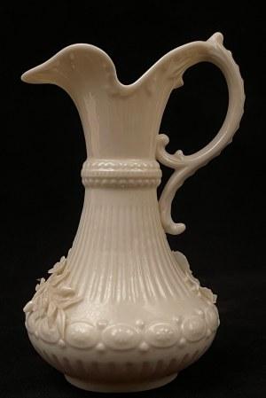 Dzbanek porcelanowy