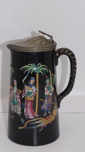 secesyjny kufel ceramiczny z dekoracją chinoiserie