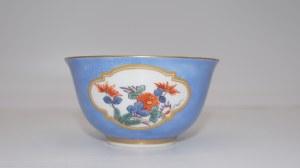 czarka ze spodkiem z dekoracją chinoiserie Miśnia