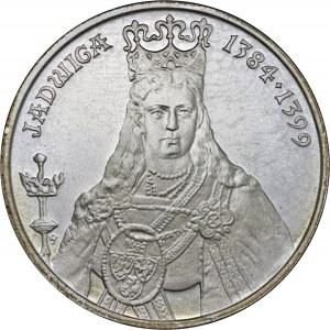 500 zł 1988, Jadwiga, Ag 750, moneta zapakowana w pudełko typu quadrum