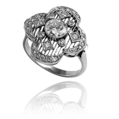 Platynowy pierścionek w stylu Art Deco z diamentami