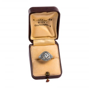 Dawny pierścionek w stylu Art Deco z diamentem ~0.50ct
