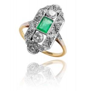 Dawny pierścionek Art Deco ze szmaragdem