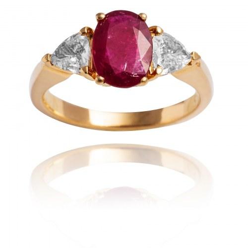 Pierścionek z rubinem ~1.33ct oraz diamentami wykonany ze złota
