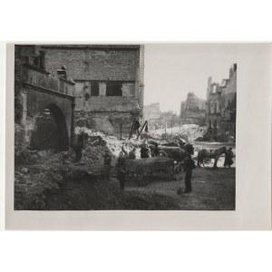 GDAŃSK. Bazylika Mariacka – fot. dokumentująca odbudowę kościoł ...