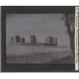 OLSZTYNEK. Szklany diapozytyw przedstawiający zdjęcie Mauzoleum Hind ...