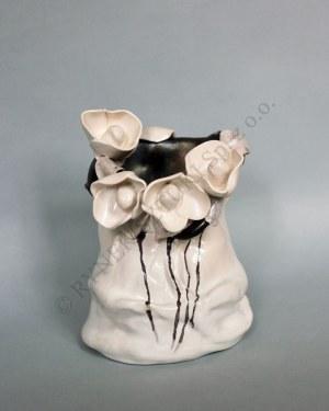 Agata Bącela, Wazon czarno-biały