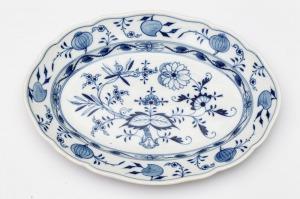 PÓŁMISEK PODŁUŻNY Z WZOREM CEBULOWYM, Saksonia, Miśnia, 1924-1934, Porcelana, kobalt podszkliwny, 9,5 x 21 cm