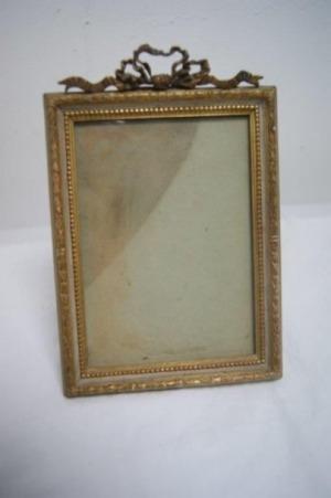 Petit cadre en bois laqué. Style Louis XVI. 12 x 16 cm
