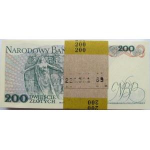 Polska, PRL, paczka bankowa 200 złotych 1988, seria EP