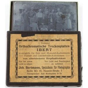 8 NEGATYWÓW NA SZKLE, ok. 1920