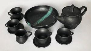 Donata Lesińska, Kawa czy herbata-komplet: patera, dzbanek, mlecznik, 2 filiżanki do kawy