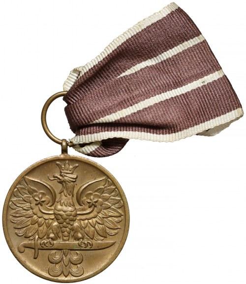 Medal za Wojnę 1939-1945 (Wykonanie 1945-1946)
